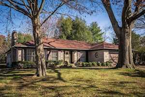 6431 Regency Ln Louisville, KY 40207