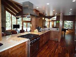 66 Holiday Vista Mammoth Lakes, CA 93546