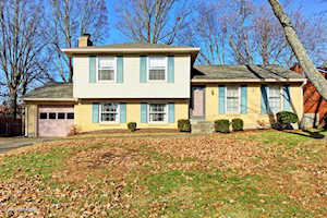 6806 Wunderly Ct Louisville, KY 40291