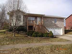 207 Lilac Ct Radcliff, KY 40160