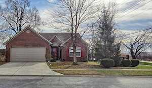 6800 Woodhaven Place Dr Louisville, KY 40218