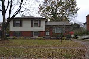 3018 Kaye Lawn Dr Louisville, KY 40220