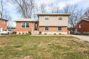 3411 Pinecroft Dr Louisville, KY 40219
