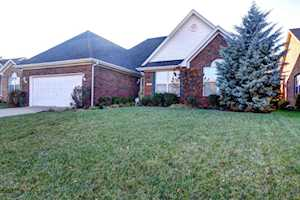 3810 Stone River Ct Louisville, KY 40299