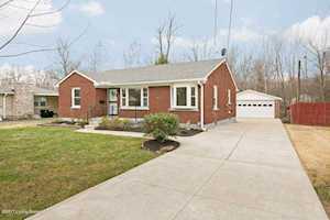5438 Southview Dr Louisville, KY 40214