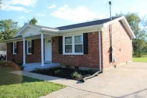 383 Concord Dr Mt Washington, KY 40047