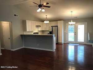 1625 Crossridge Ln Louisville, KY 40222