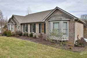 3904 Chasewood Dr Crestwood, KY 40014