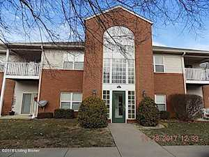 8000 Magnolia Ridge Ct Louisville, KY 40291