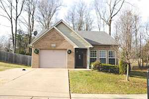 9704 Chetwood Ct Louisville, KY 40291