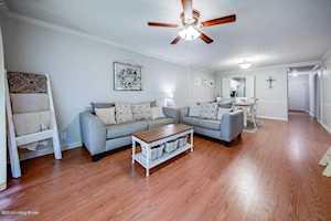 1410 Donard Park Ave Louisville, KY 40218