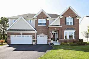 3695 Thornhill Drive Elgin, IL 60124