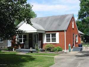 4037 1/2 Addison Ln Louisville, KY 40216