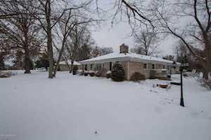 9205 Taylorsville Rd Jeffersontown, KY 40299