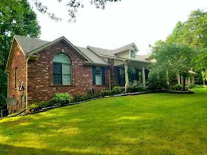 474 Woodland Hills Trail Taylorsville, KY 40071