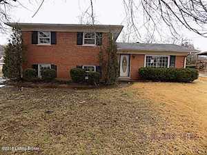 6717 Oak Valley Dr Louisville, KY 40214