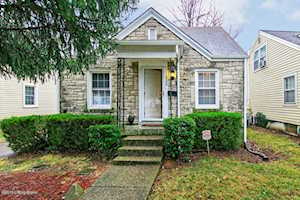 126 Colonial Dr Louisville, KY 40207