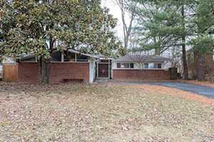 3742 Chatham Rd Louisville, KY 40218