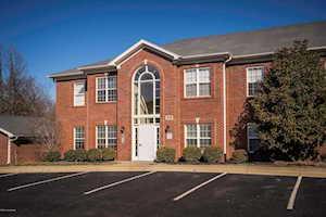 9308 Pine Lake Dr Louisville, KY 40220