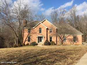 2109 Outer Cir Dr Crestwood, KY 40014
