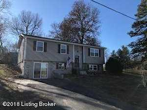 327 Valley View Dr Radcliff, KY 40160