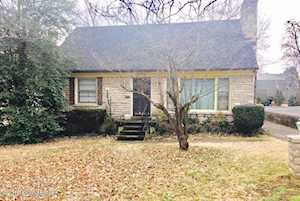 2816 Greenup Rd Louisville, KY 40217