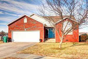 315 Bentwood Dr Shepherdsville, KY 40165