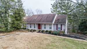 2311 Mohican Hill Ct Louisville, KY 40207