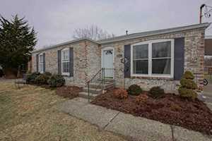 9211 N Pirogue Ct Jeffersontown, KY 40299