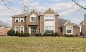 9009 Willow Springs Dr Louisville, KY 40242