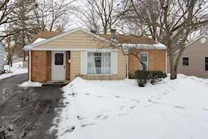 122 Emerald Avenue Mundelein, IL 60060