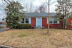 2912 Thistlewood Dr Louisville, KY 40206