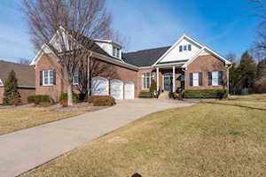 6201 Perrin Dr Crestwood, KY 40014