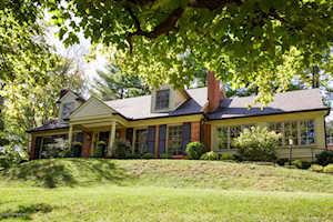 2430 Woodside Rd Louisville, KY 40207