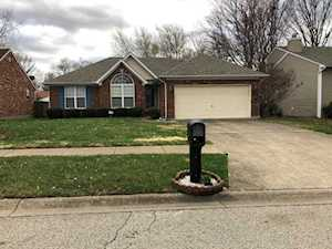 8108 Eagles Crest Ct Louisville, KY 40292