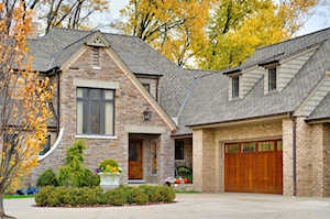 516 Ridgemoor Dr Willowbrook, IL 60527