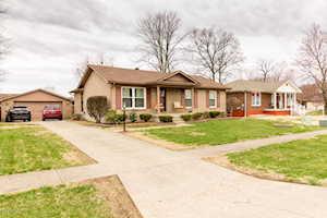 4526 Sandhill Rd Louisville, KY 40219