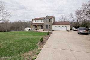 4706 Three Lakes Rd Crestwood, KY 40014