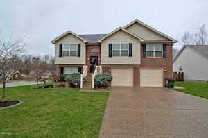 153 Clover Cove Dr Shepherdsville, KY 40165