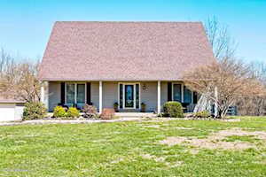 607 Settlers Point Dr Taylorsville, KY 40071