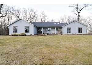 24200 Meadow Lane Grayslake, IL 60030