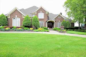 2008 Fairway Vista Dr Louisville, KY 40245