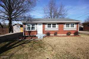6103 Price Ln Louisville, KY 40229