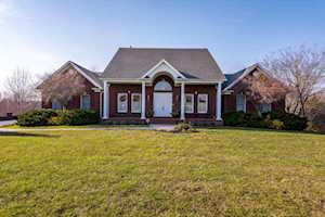 25 Pine Meadows Dr Simpsonville, KY 40067