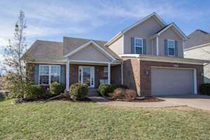 2121 Golfview Ct Pewee Valley, KY 40056