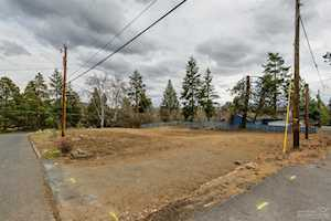 607 NW Trenton Avenue Bend, OR 97703