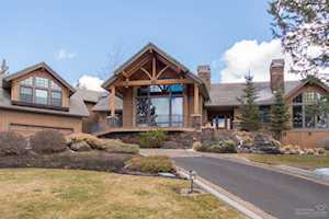 2726 NW Starview Drive Bend, OR 97703