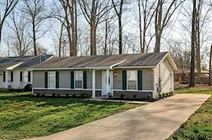 1428 Forest Dr Louisville, KY 40219