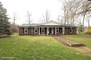 419 Whiteheath Ln Louisville, KY 40243