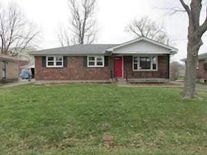 3306 Teakwood Cir Louisville, KY 40216
